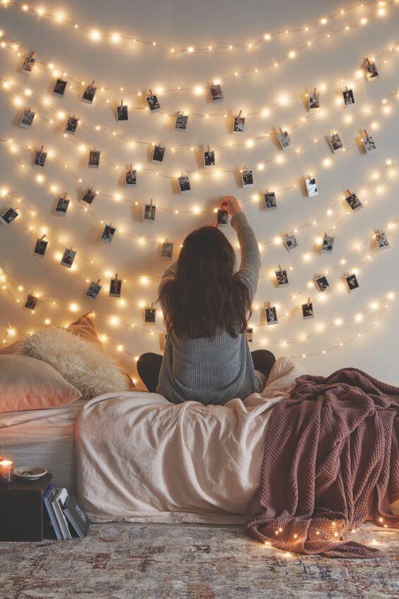 DIY Wohndeko-Ideen mit Lichterketten, DIY Idee Bildern, Bilder an die Wand hängen
