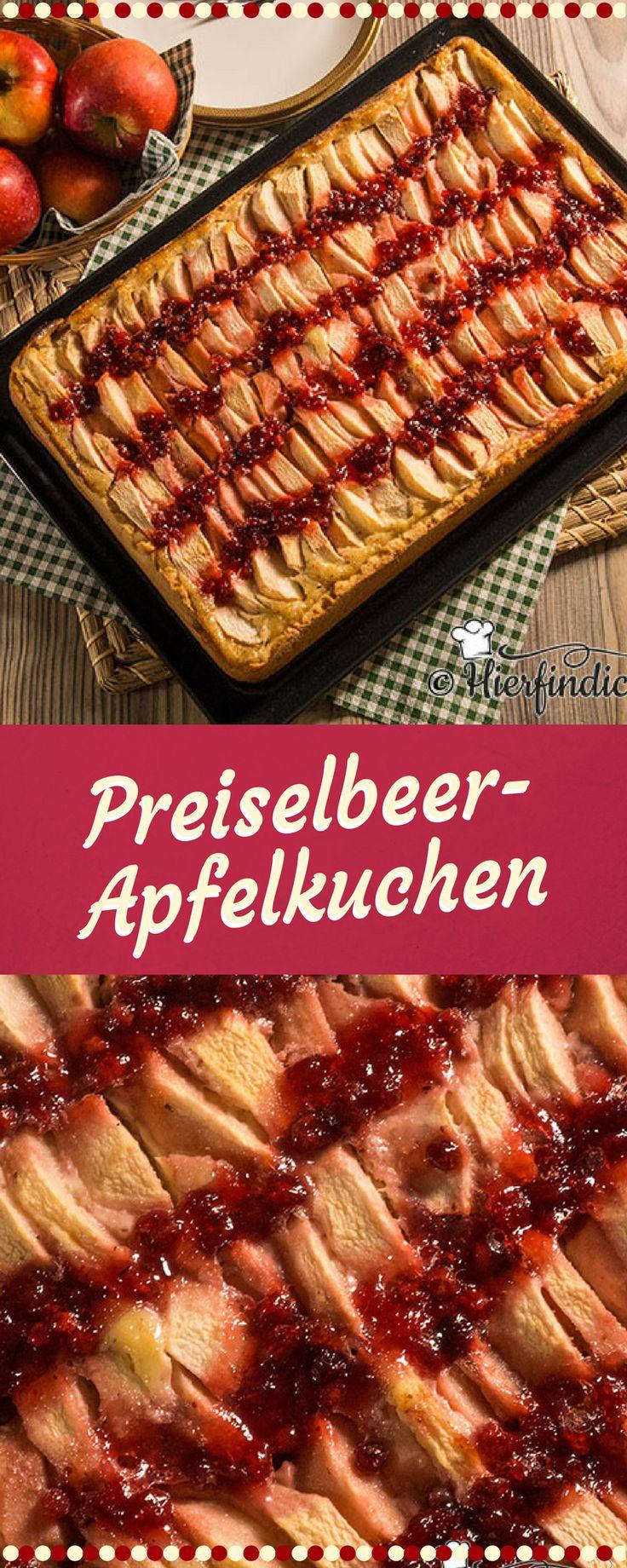 Fruchtig leckerer Apfelkuchen mit Preiselbeeren. Die Preiselbeeren sind eine gute Kombination zu der süßlich-säuerlichen Note des Apfels. Die saure Sahne kombiniert mit gemahlenen Mandeln, umrahmen diese Geschmacksnuancen noch zusätzlich. Der Blechkuchen ist relativ einfach zuzubereiten. #blechkuchen #apfelkuchen #preiselbeeren