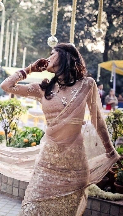 Kunal Nayyar (Raj Koothrapali of The Big Bang Theory)'s Wife Neha Kapur on Their Wedding Day in a Beautiful Blush  Indian Bridal Saree.
