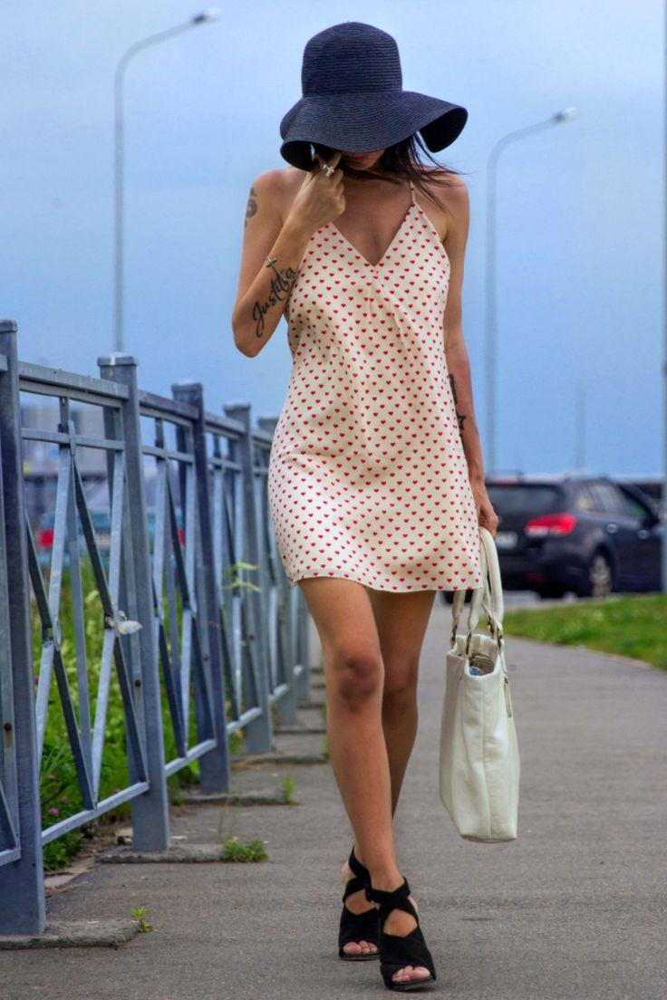 Alice+Olivia #dress and #back #hat