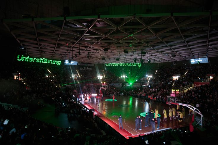 An amazing light show for the FC Bayern basketball players and their fans! // Eine grandiose Lichtshow für unsere FC Bayern Basketball Stars und ihre Fans! #BayWa #FCBB #basketball