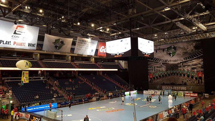 Heute #Handball in der #Recken Festung #Hannover. Das #Bundesliga Spiel @dierecken vs. @hsg.wetzlar #dkbhbl
