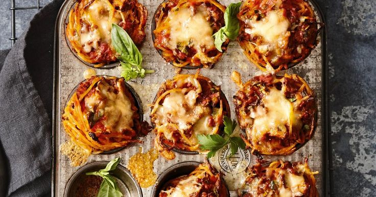 Turn family favourite spaghetti bolognese into these cute muffin cups for an A+ lunchbox snack.