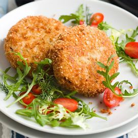Ingredienti800 g di salmone8 fette di pancarré senza crostaun mazzetto di anetoun cucchiaio di senape all