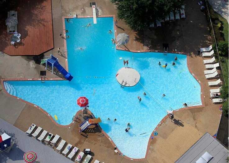 Coolest swimming pool ever randomness pinterest - The coolest swimming pool in the world ...