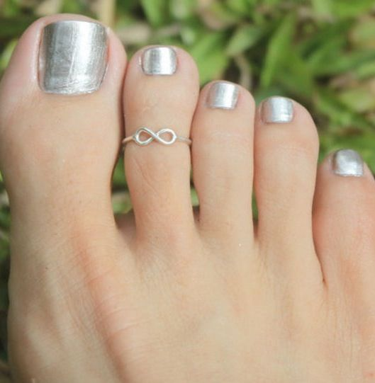 Infinity Toe Ring.... great for summer time. I LOVE THIS!!!