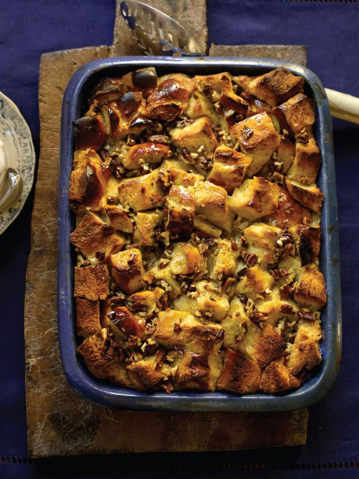 Bourbon Bread Pudding : The Neelys' bread pudding has flavor, crunch and Bourbon Street flair. Bourbon-soaked brioche bread makes for a hearty Creole-style dessert, straight out of New Orleans.