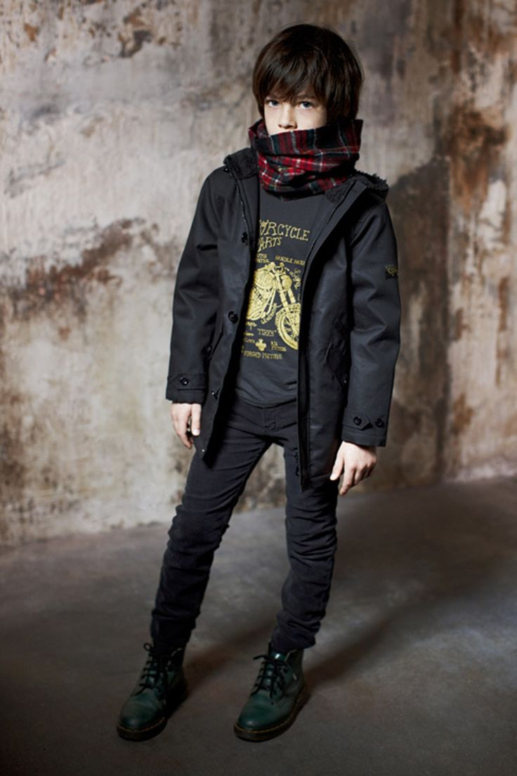 Long John Moto T-shirt met lange mouwen - Finger in the nose.     Gezien op http://springstof.eu/shop/boys/shirts-tops/long-john-moto-t-shirt-met-lange-mouwen.html