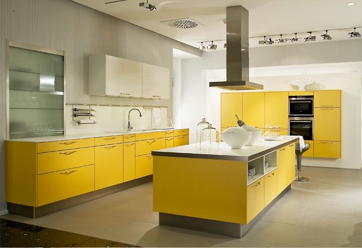 die besten 17 bilder zu gelbe k chen auf pinterest blog gelb und liebe. Black Bedroom Furniture Sets. Home Design Ideas