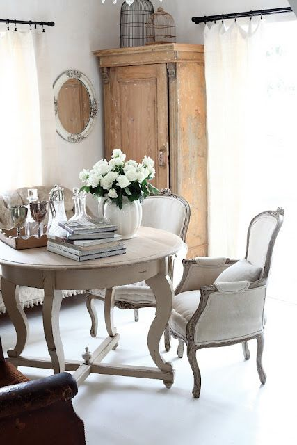 ooh white flowers, gray dining room furniture, natural wood and vintage things...heaven!