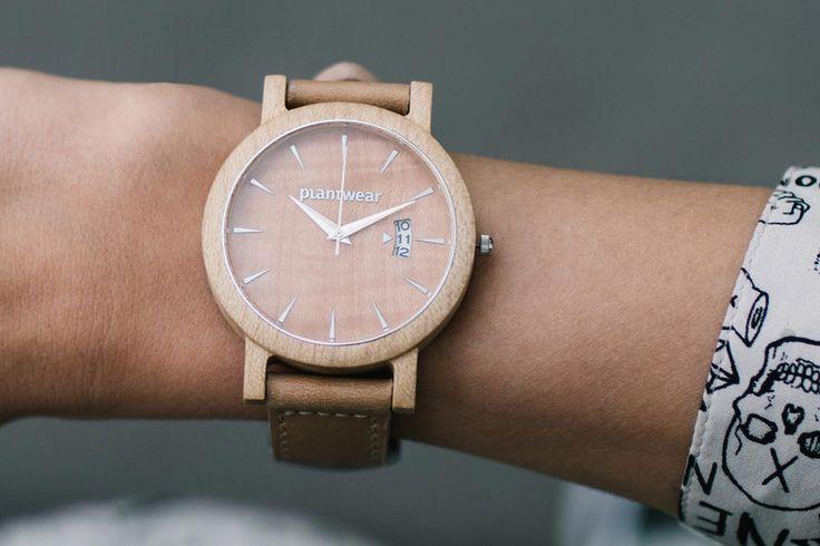 0e8966c0ef7f1e Drewniany Zegarek – Seria Royal – Jawor Falisty - Plantwear - Zegarki na  rękę | Moda | Watches, Wood watch i Etsy