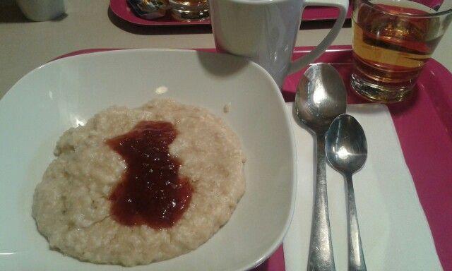 Breakfast in finnish style - oat porridge // Snídaně ve finském stylu - ovesná kaše
