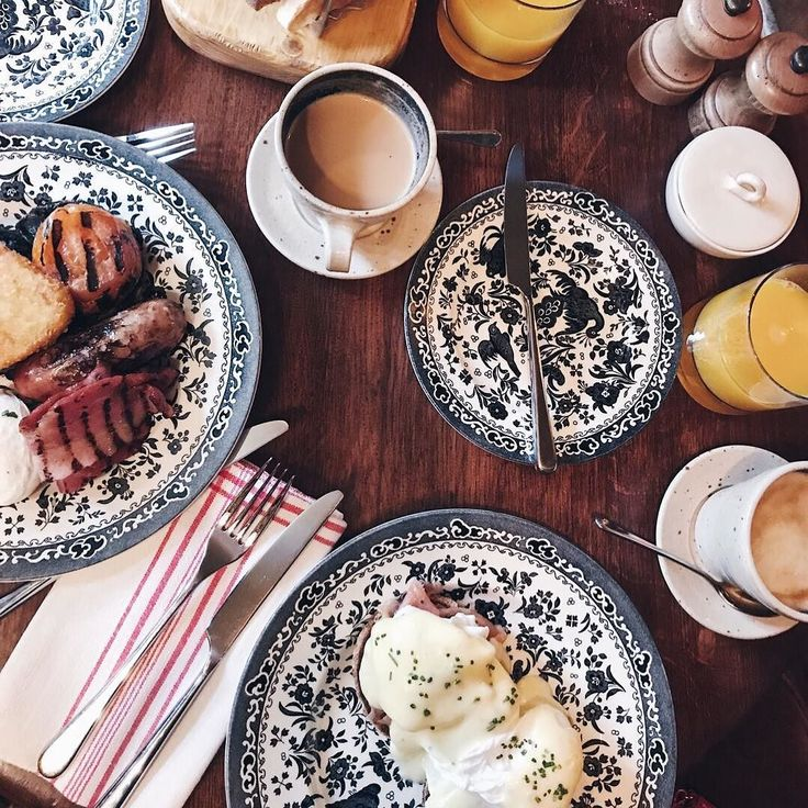 Breakfast at @mrhanburysmasonarms was  Wishing I could wake up in the Oxfordshire countryside and have this presented to me EVERY morning. Only on the mornings after we get engaged I guess  Our stay at @artistresidence was one of the best I've had. Can't recommend highly enough!