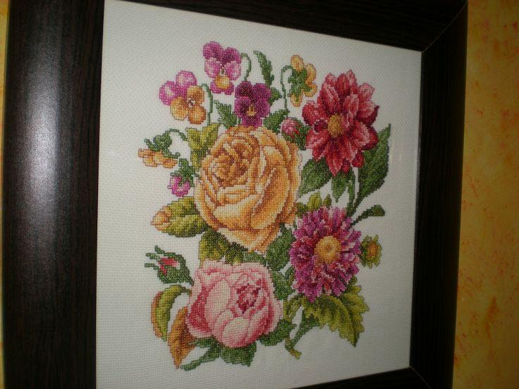 counted ramilletes de rosas en punto de cruz | abecedarios varios tipos de letras en punto de cruz punto