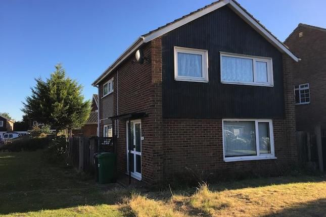 3 bed detached house to rent in Burroway Road, Langley