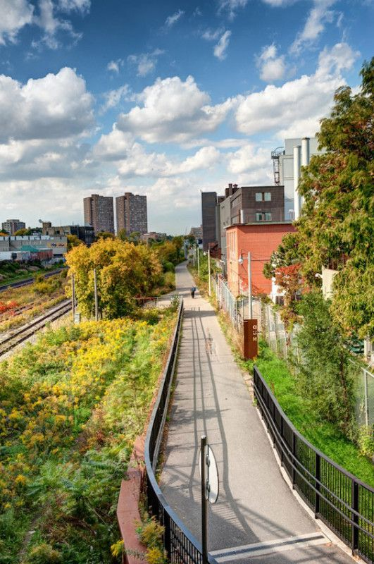 West toronto railpath toronto canada scott torrance for Landscape architecture canada