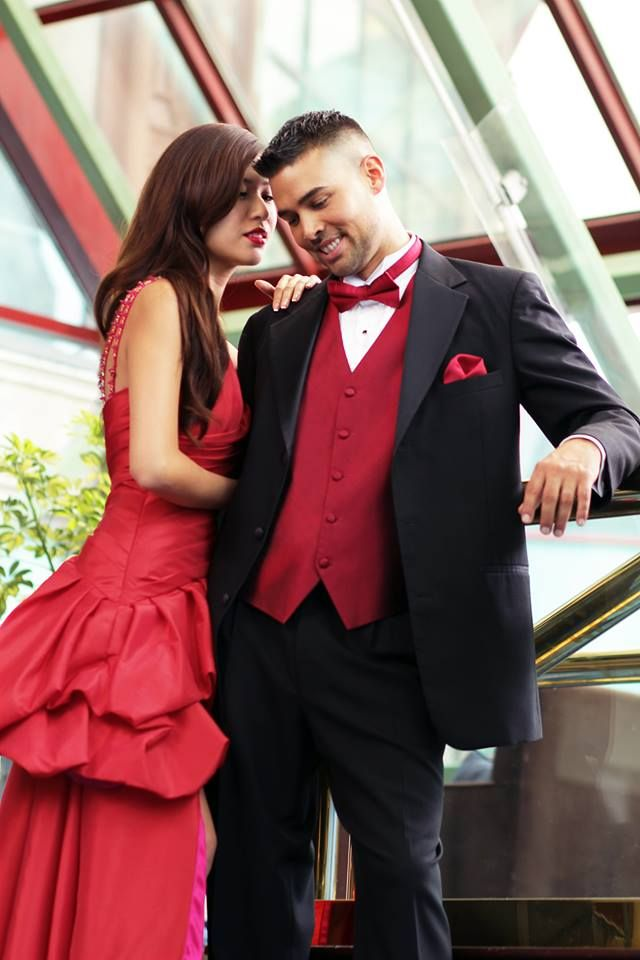 Your bridesmaids and groomsmen should coordinate with one another. Let us know your wedding colors, and we can discover the perfect vest, ties, and pocket squares to complement them.  http://tuxedojunction.com/location/tuxedo-rental-woodlandhills.html  #wedding #bridesmaids #groomsmen #losangeleswedding #canagoparkwedding #losangeles #tux #suit #weddingsuit #suitrental
