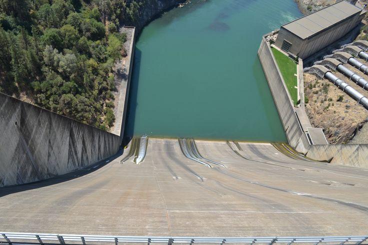Looking down the spillway of Shasta Dam [2048  1366]