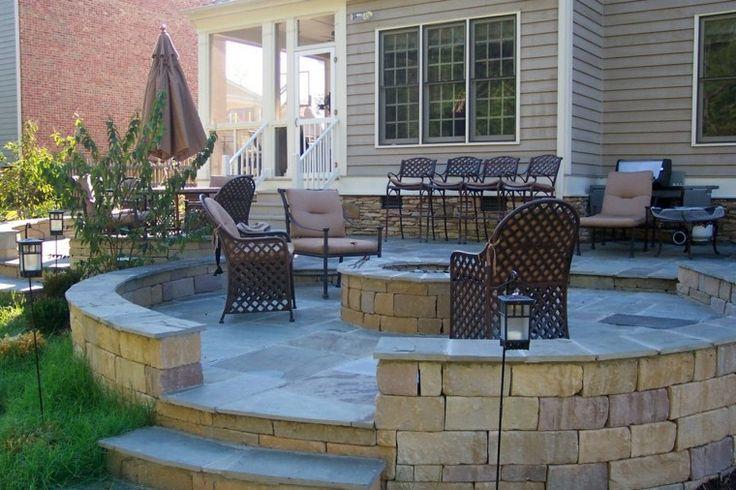 terraza circular con  hoguera