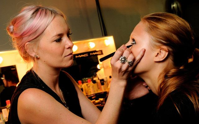 10 tricks from a MAC makeup artist -Cosmopolitan.co.uk