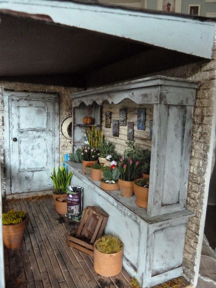 lotjesdollshouse: inside a miniature dollhouse flower shop