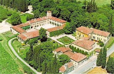 Ville in Valpolicella | http://www.agriturismo.st/it/italia/Strada-del-Valpolicella/