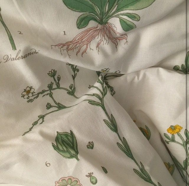 Omg i have this bed sheet lmao you can buy this at IKEA