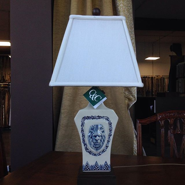 Настольная лампа от Clayton&Co. Ручная работа и прекрасное качество. #cactusgallery #lamp #cactus_gallery_moscow #освещение #декордлядома #декоратор #декор @ddc_ua