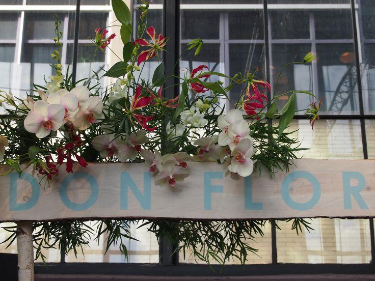 flower bow   bloemen boog www.huiskd16.nl