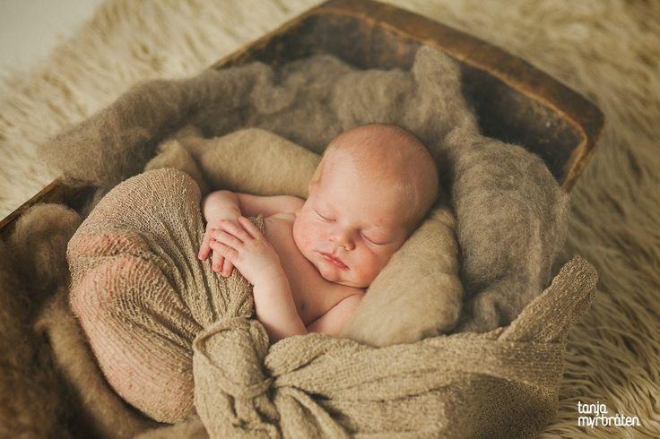Så utrolig vakker | nyfødtfotografering | nyfødt gutt   www.tanjamyrbraten.no
