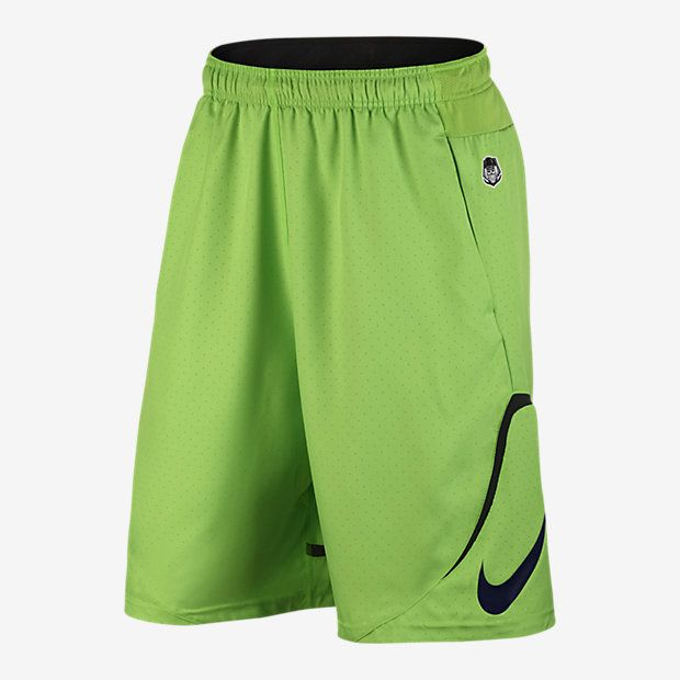 VENTILATED COMFORT The Nike Untouchable Woven Men's Football Shorts combine  lightweight, sweat-wicking fabric