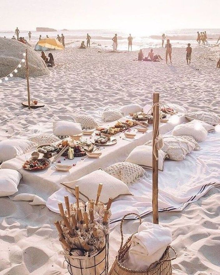 First Sneak Peak Photo Of The Most Magical Day Beach Picnic