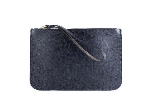 Zaria clutch black via Moyi Moyi. Click on the image to see more!