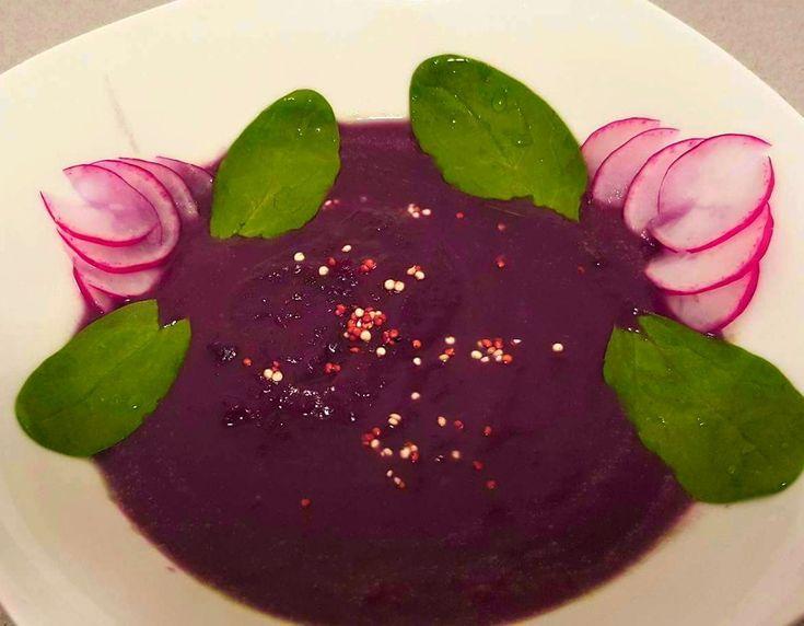 Rotkohlsuppe mit Suesskartoffeln, Katotten u. Kokosmilch - ein fantastischer Geschmack!!!