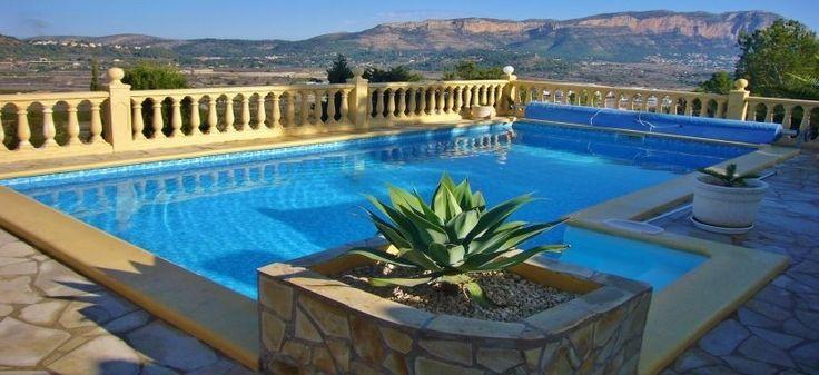 Pool mit Panoramablick der Villa Vista in Monte Pedreguer. Spanien von seiner schönsten Seite. Weitere Traumimmobilien finden Sie unter: http://www.ott-kapitalanlagen.de/immobilien-spanien.html