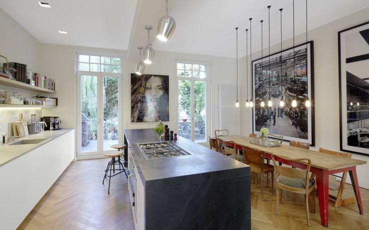 Küche und Essbereich : Moderne Küchen von Schmidt Holzinger Innenarchitekten
