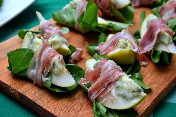 Sabor Sonoro: aperitivo à base de pêra, gorgonzola, prosciutto e rúcula