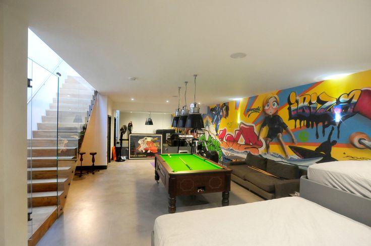 Роспись стен в интерьере (54 фото): оригинальный декор для квартиры http://happymodern.ru/rospis-sten-v-interere-53-foto-originalnyj-dekor-dlya-kvartiry/ Граффити в игровой комнате