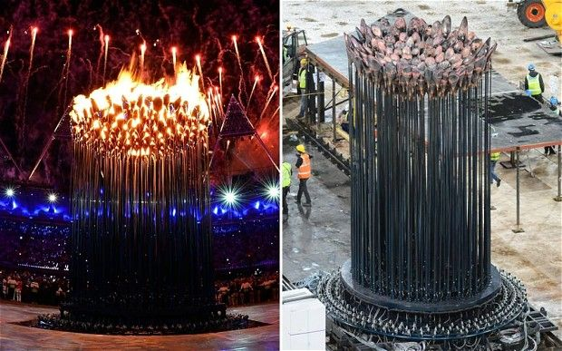 London 2012 Olympic flame 'goes out' as cauldron is moved
