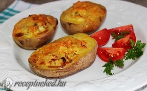 Sült krumpli krémsajtos-hagymás töltelékkel recept fotóval