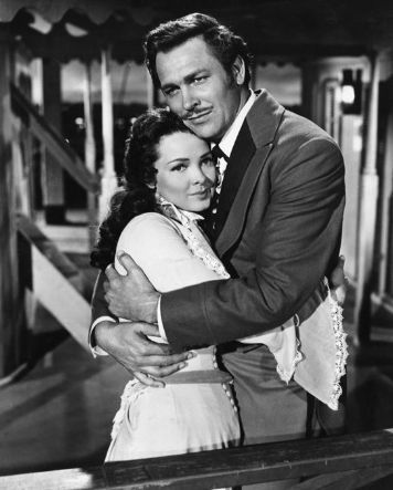 Kathryn Grayson and Howard Keel in 'Showboat'...been lucky enough to have seen Howard Keel in concert twice....he just improved with age.