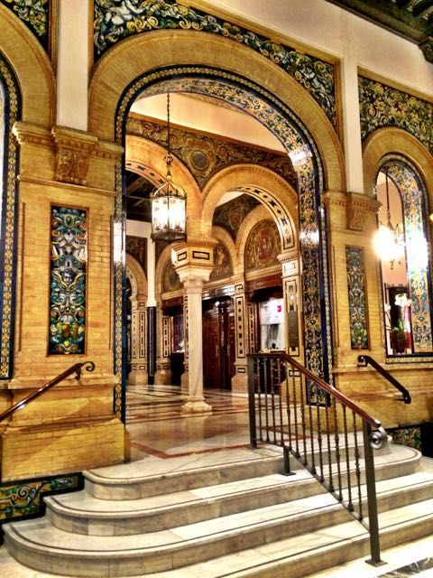 Sleeping in a hotel fit for a king: Hotel Alfonso XIII in Sevilla.