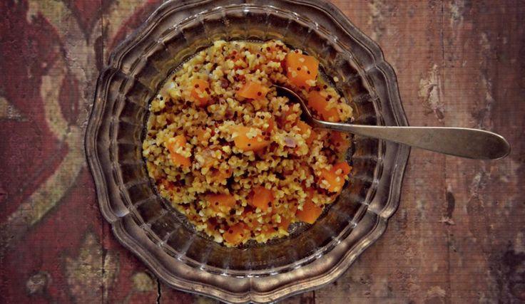 Minestra di quinoa, curcuma e zucca