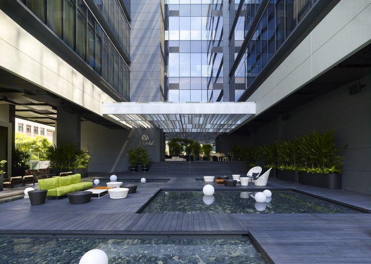 16 best hotel entrance images on pinterest entrance for Hotel entrance decor