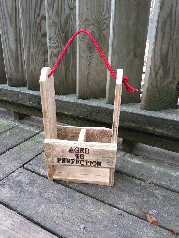 caddy vino personalizado portador de vino por OniontownRepurposed