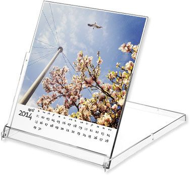free Photoshop 2014 calendar template - calendar in CD jewel case