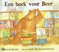 Leespluim.nl: De leespluim van de maand    Wat doet een beer in de bibliotheek? De beer uit dit verhaal lijkt het zelf ook niet zo goed te weten. Hij heeft thuis zeven schitterende boeken en is er tamelijk zeker van dat hij alle boeken heeft die hij ooit zou willen lezen.  Maar hij heeft Muis beloofd mee te gaan naar de bibliotheek, wat eenvergissing! Muis is vreselijk enthousiast, hij weet dat er prachtige boekenzijn te vinden in de bibliotheek. Met tegenzin bindt Beer zijn rolschaatsen…
