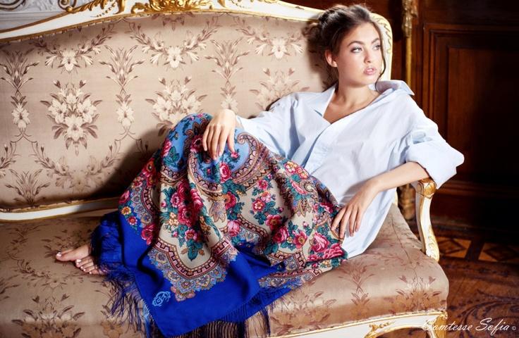 Shawls, scarves a la russe; Châles, foulards à la russe