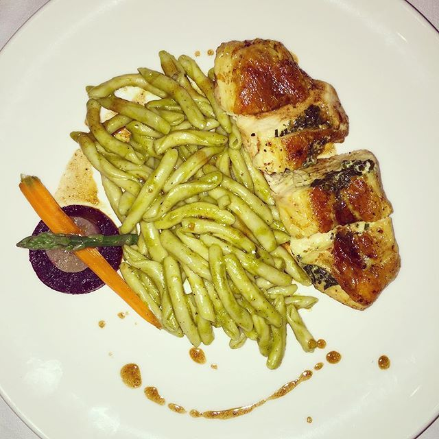 "Organic chicken fillet, herb crust & ""skioufihto"" pasta of Crete at Modern rooftop restaurant with a breathtaking view of the Acropolis! #nomnom #yummy #AthensWasHotel #AthensWas #athensrestaurant #designhotel"