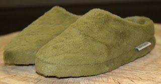 DragonFly Sweetnest: LoveSac Green Phur Slippers Review